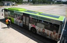 Singapore cho chạy thử nghiệm xe buýt công cộng lắp tấm pin Mặt Trời
