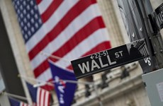 Dow Jones, S&P 500 đạt mức kỷ lục trước số liệu khả quan về kinh tế Mỹ