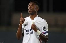Vinicius Junior tỏa sáng giúp Real Madrid thắng đậm Liverpool
