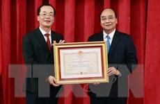 Chủ tịch nước trao tặng Huân chương cho nguyên lãnh đạo Bộ Xây dựng