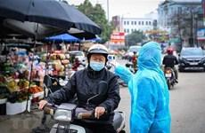 Nhiều tỉnh tạm dừng hoạt động đông người, dịch vụ không thiết yếu