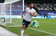 Man City chạm tay vào chức vô địch, Chelsea chắc tốp 4