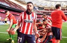 La Liga: Barcelona đầu hàng, Atletico chạm tay vào chức vô địch