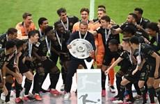 [Photo] Bayern Munich ăn mừng chức vô địch và chia tay 'công thần'