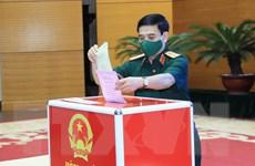 Bầu cử QH và HĐND: Cử tri quân đội thực hiện quyền bầu cử