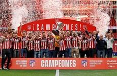 Hình ảnh Atletico Madrid hân hoan nhận cúp vô địch La Liga