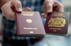 Số người nước ngoài nhập quốc tịch Đức giảm khi Brexit dịu xuống