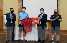 Đại sứ Việt Nam tại UAE động viên tinh thần đội tuyển Việt Nam
