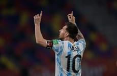 Lionel Messi ghi bàn, Argentina vẫn phải chia điểm trên sân nhà