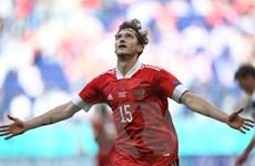 Miranchuk ghi bàn tuyệt đẹp giúp tuyển Nga có chiến thắng đầu tiên
