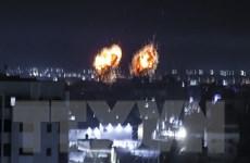 Máy bay chiến đấu Israel không kích các cơ sở quân sự ở Dải Gaza