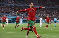 Ronaldo lập cú đúp, Bồ Đào Nha thẳng tiến vòng 1/8 EURO 2020