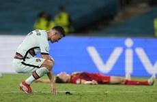 Kết quả EURO 2020: Nhà vua băng hà, 'cơn lốc màu cam' lạc lối