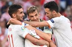 Kết quả EURO 2020 ngày 29/6: Kịch tính, điên rồ và 'mưa bàn thắng'
