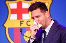 Messi bật khóc trong ngày chính thức nói lời chia tay Barcelona