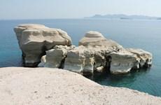 Tàu mang cờ Anh đã chìm ở ngoài khơi đảo Milos của Hy Lạp