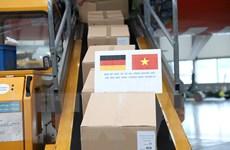 COVID-19: Vận chuyển 10 tấn hàng viện trợ từ Đức về Việt Nam
