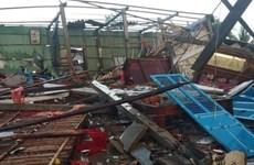 Bến Tre: Giông lốc làm sập 11 căn nhà, tốc mái hơn 100 căn