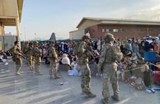 Afghanistan: Mỹ thay đổi chính sách về sơ tán ở sân bay Kabul