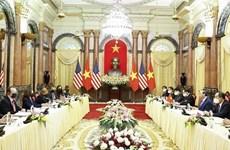 [Video] Chủ tịch nước Nguyễn Xuân Phúc tiếp Phó Tổng thống Hoa Kỳ