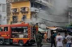 Thành phố Hồ Chí Minh: Giải cứu cụ bà thoát khỏi căn nhà đang cháy