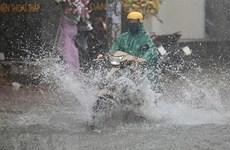 Các khu vực trên cả nước có mưa và dông, đề phòng xảy ra lốc, sét