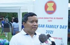 Thắm tình đoàn kết hữu nghị trong Ngày gia đình ASEAN năm 2021 tại Séc