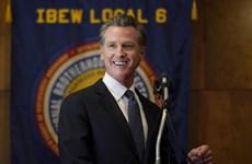 Mỹ: Thống đốc bang California vượt qua cuộc bỏ phiếu đòi bãi nhiệm