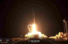SpaceX thực hiện sứ mệnh đưa phi hành gia không chuyên lên vũ trụ