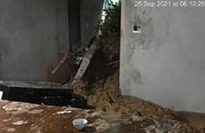 Hà Tĩnh: Sạt lở đất làm sập tường nhà, một trẻ em nhập viện