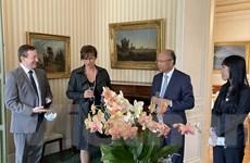 Nghị sỹ Pháp trao đổi thông tin thúc đẩy hợp tác mọi mặt với Việt Nam
