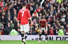 Premier League: M.U chia điểm tại Old Trafford, Chelsea lên ngôi đầu