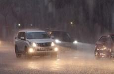 Nhiều khu vực cả nước có mưa dông, đề phòng khả năng xảy ra lốc, sét