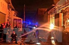 TP Hồ Chí Minh: Phong tỏa hiện trường, điều tra vụ cháy xưởng sơn