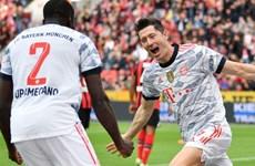 Bayern Munich đòi lại ngôi đầu Bundesliga sau chiến thắng 'hủy diệt'