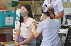 Thái Lan: Học sinh ở Bangkok được tiêm chủng để chuẩn bị đến trường