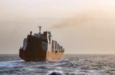 Nga, Trung Quốc bảo vệ tàu chở vũ khí hóa học rời khỏi Syria