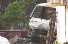 Xe cẩu phát nổ khi đâm vào dây điện, 1 người thiệt mạng