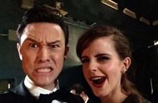 """Hành động """"khó đỡ"""" của các sao ở lễ trao giải Oscar"""