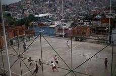 Giấc mơ trở thành Neymar của những đứa trẻ Brazil bị ngăn cấm