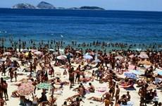 Copacabana: Nơi nhún nhảy theo nhạc và ngắm nhìn các cô gái