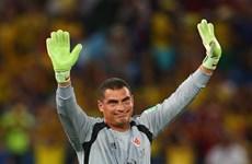 Thủ môn của Colombia đi vào lịch sử World Cup nhờ... già nhất