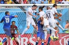 Costa Rica chễm chệ ngôi đầu, Italy theo bước Anh về nước