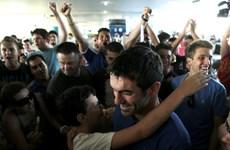 Đội tuyển Hy Lạp được cổ động viên chào đón như người hùng