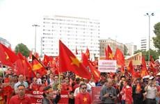 Cộng đồng người Việt ở Angola, New Zealand hướng về quê hương