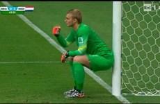 Sốt ảnh chế tư thế kỳ lạ của thủ môn Hà Lan Jasper Cillessen