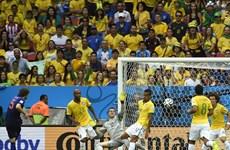 """Hà Lan về ba nhờ trọng tài """"cướp trắng"""" bàn thắng của Brazil?"""