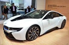 BMW sẵn sàng chia sẻ công nghệ pin với đối thủ Mercedes-Benz
