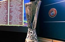 Vòng knock-out Europa League: Liverpool dễ thở, Tottenham gặp khó