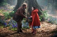"""""""Into The Woods"""": Thế giới huyền ảo của điều ước và lời nguyền"""